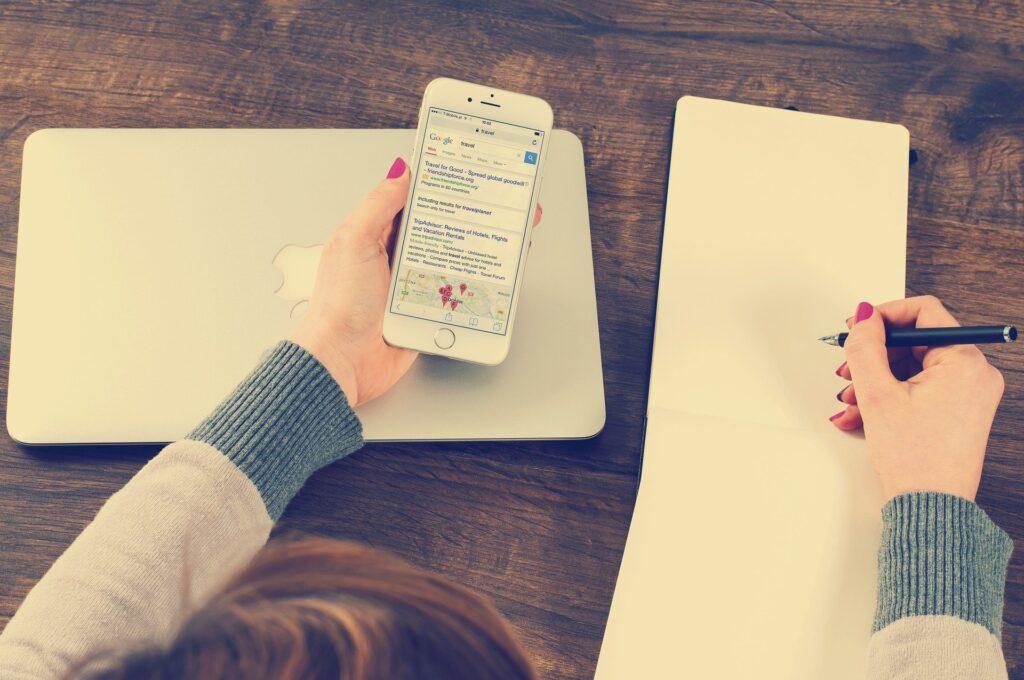 entrepreneur starting an online business